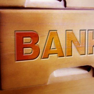 高卒で銀行に就職?事務職・ホワイトカラーに広がる高卒新卒の選択肢